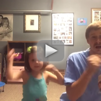 Father-and-daughter-dance-to-shake-it-off