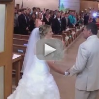 Father-serenades-daughter-at-wedding