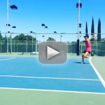 Kaley cuoco beats ryan sweeting in tennis
