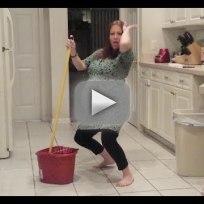 Pregnant woman twerks water breaks