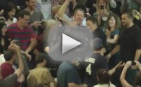 Bruce Springsteen Chugs Beer With Philly Crowd