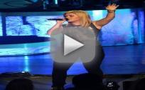 "Kelly Clarkson - ""Shake It Out"""