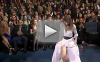 Ellen Pompeo Flashes Crotch at People's Choice Awards