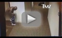 DMX Runs Naked Lap Around Hotel, Just Because