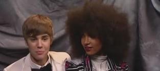 Justin Bieber and Esperanza Spalding Bond Over Hair, Mothers, Grammys