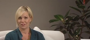 Jennie garth interview with thg