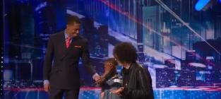 Howard stern comforts crying contestant
