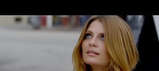 Noel gallagher everybodys on the run official music video