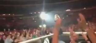 Madonna falls on stage