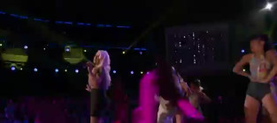 Christina aguilera and pitbull feel this moment the voice