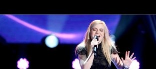 Holly henry the scientist the voice blind audition