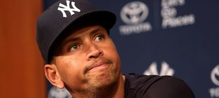 Alex rodriguez suing mlb claiming witch hunt