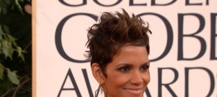 Halle berry gives birth