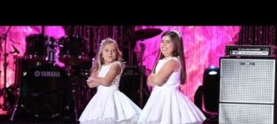Sophia grace and rosie perform cant hold us