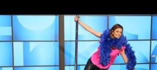 Kate Walsh Pole Dances on Ellen, Really Wants More Twitter Followers