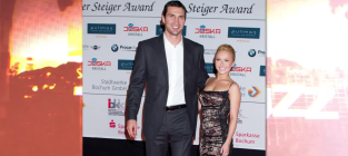Hayden panettiere wladimir klitschko wedding delayed