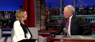 Jennifer Lawrence and David Letterman Sing!
