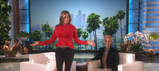 Jennifer aniston on ellen look at her breasts