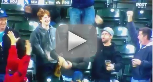 Fan Catches Foul Ball in Beer