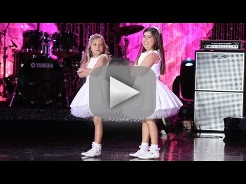 "Sophia Grace & Rosie Perform ""Can't Hold Us"""