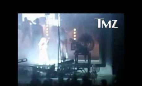 Lady Gaga Goes Down on Stage