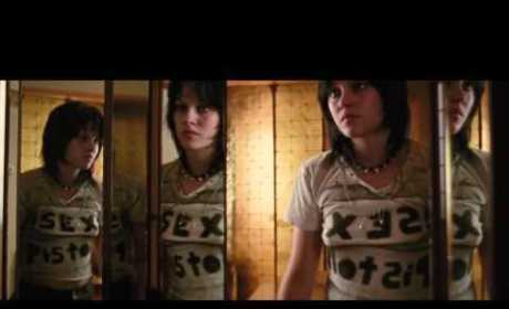 The Runaways Trailer: Kristen Stewart as Joan Jett