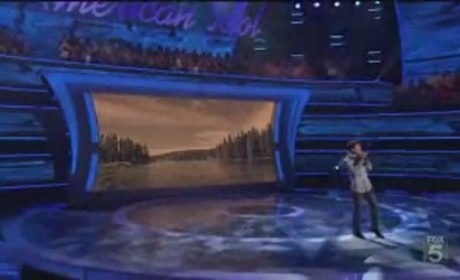 "Scotty McCreery Navigates ""The River"""