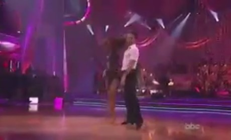 Jennifer Hudson Performs on Dancing With the Stars