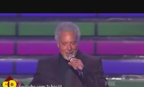 Tom Jones - It's Not Unusual (American Idol)