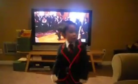 Mini Warbler Singing Teenage Dream