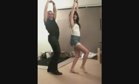 """Nicole Richie Dances to Britney Spears' """"Slave 4 U"""" (Quite Well, in Fact)!"""