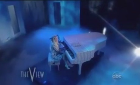 Lady Gaga - You and I (Live on The View)