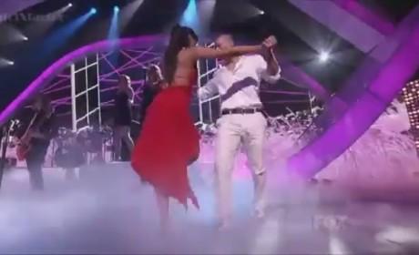 Selena Gomez, Twilight Saga Win Huge at Teen Choice Awards