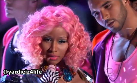 Nicki Minaj - Super Bass (Victoria's Secret Fashion Show)