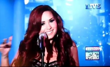 Demi Lovato New Year's Eve Performance: Watch Now!