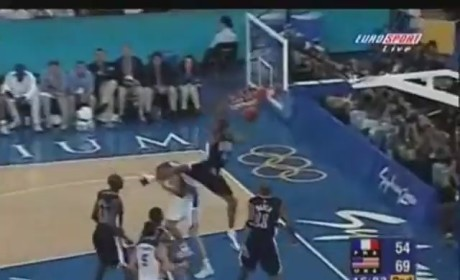 Vince Carter Dunk on Frederic Weis