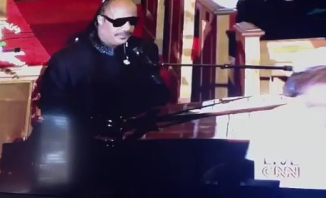 Stevie Wonder Performs at Whitney Houston Funeral [Video]