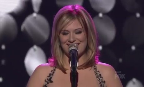 "Erika Van Pelt Gives Out ""Goosies"" on American Idol"