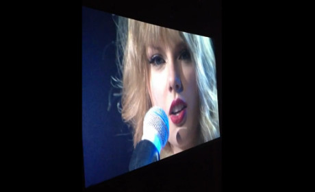 Taylor Swift Debuts Second Hunger Games Single in Concert