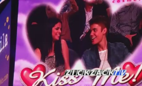 Justin Bieber and Selena Gomez on Kiss Cam