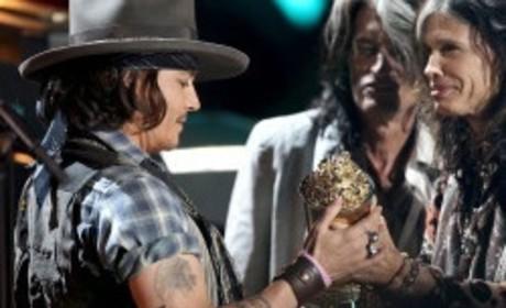 Johnny Depp, The Black Keys Perform Live at MTV Movie Awards