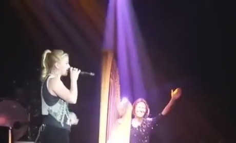 Kelly Clarkson Covers Katy Perry, Britney Spears Hits