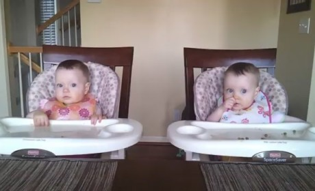 Adorable Twin Girls Sing, Dance to Dad's Guitar