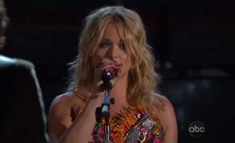 "Miranda Lambert - ""Fastest Girl in Town"" (CMA Performance)"