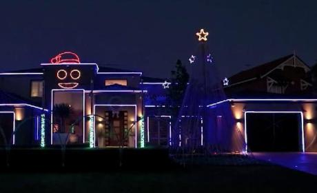 Gangnam Style Christmas: Australian House Puts on Amazing Holiday Light Show