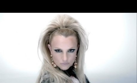 "Will.i.am-Britney Spears ""Scream and Shout"" Video: Watch Now!"