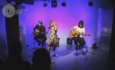 "Taylor Swift - ""We Are Never Ever Getting Back Together"" (Acoustic)"