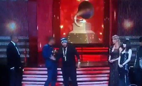 Jay-Z Disses The-Dream in Grammy Awards Acceptance Speech