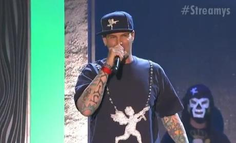 Vanilla Ice Performs at Streamys: Really!