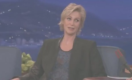 Jane Lynch Raps!